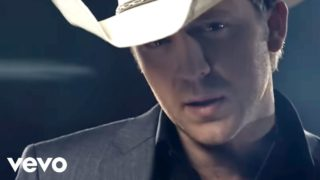 Justin Moore - If Heaven Wasnt So Far Away