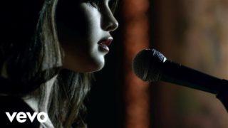 selena gomez same old love youtube music 1 320x180 - Selena Gomez - Same Old Love